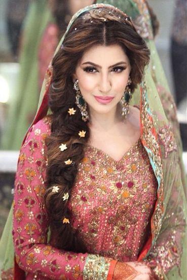 cute Bridal Mehndi Hairstyles (12)