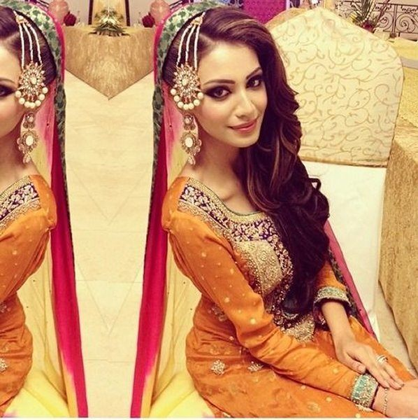 12 Simple Hairstyles For Mehndi Function004