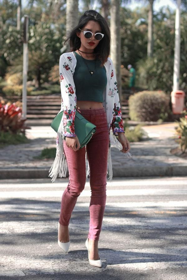 eff5419305e1 Confused about the right way to rock a crop top  Check out  highlight Crop  top outfits-25 cute ways to wear crop tops this season  highlight .