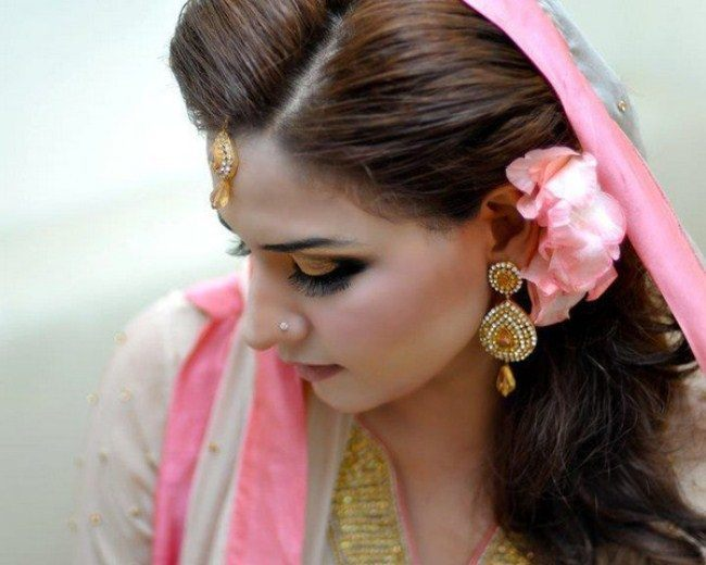cute Bridal Mehndi Hairstyles (6)
