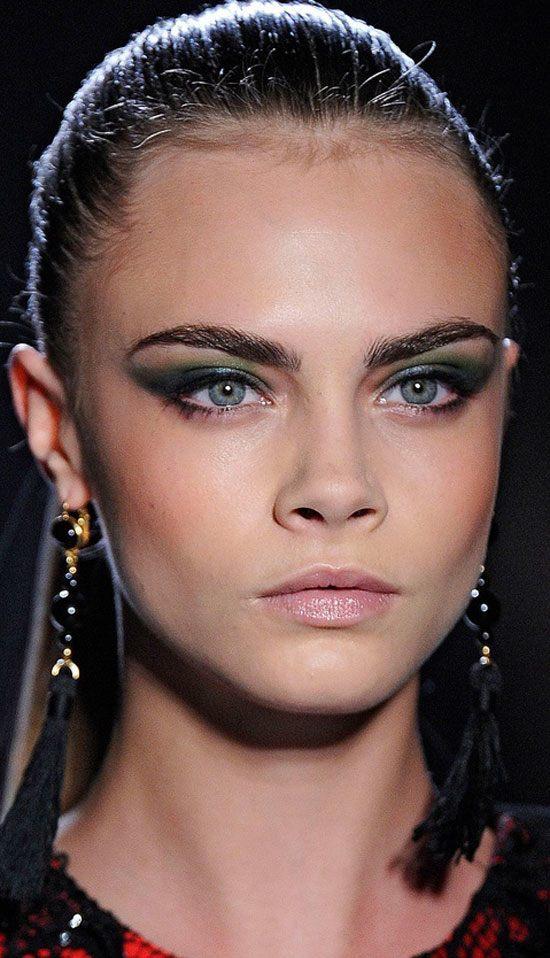 cara delevingne smokey eye makeup