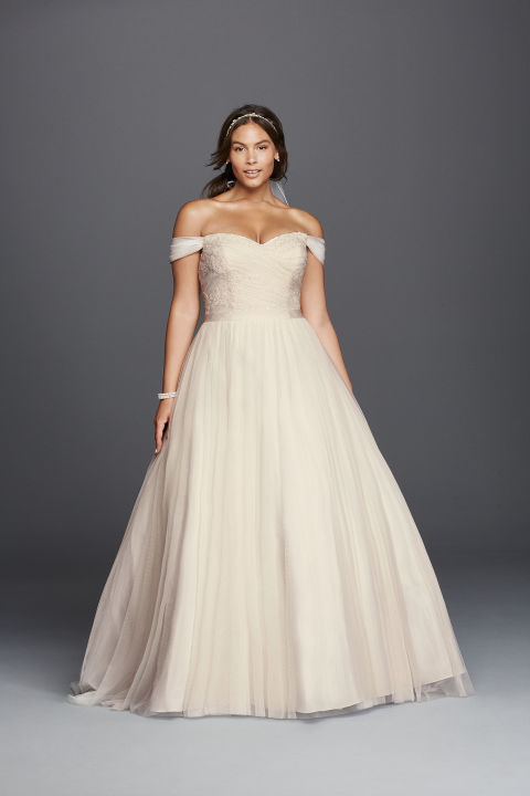 6 Bridal Brands That Are Changing the Plus-Size Wedding Dress Game ...