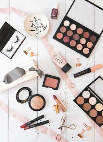 10 makeup items for you college checklist!