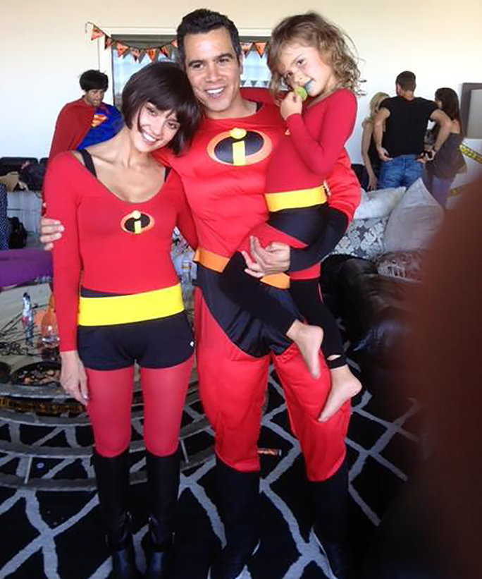 Get Inspired by the Best Family Halloween Costumes from Your Favorite Stars - Cheap Casual Dress Fashion Tips For Men or Women  sc 1 st  Cheap Casual Dress Fashion Tips For Men or Women & Get Inspired by the Best Family Halloween Costumes from Your ...
