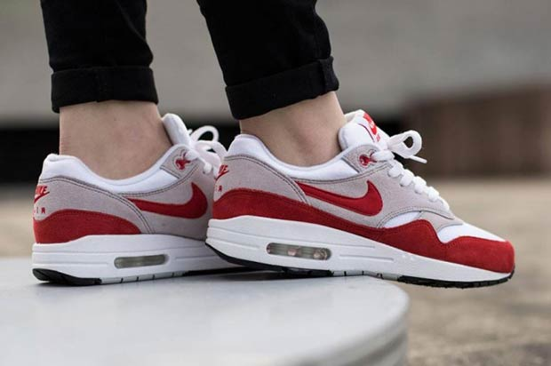 nike air max 1 og red anniversary border